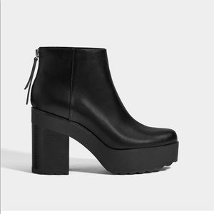 Platform ankle boots with zipper NWT